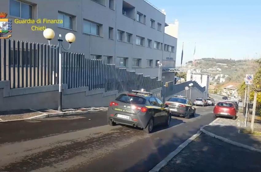 Illeciti contro il reddito di cittadinanza, scoperti 57 furbetti: bloccati 460mila euro