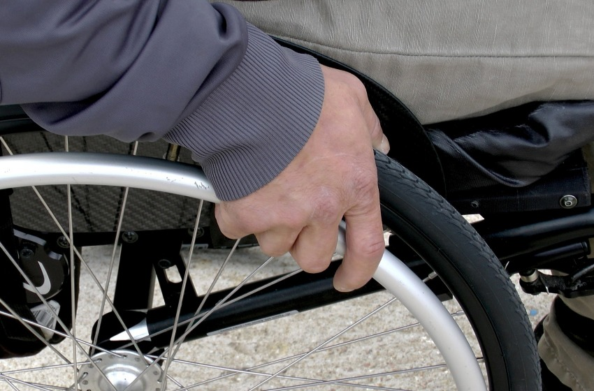Come agevolare la vita ad una persona con problemi motori