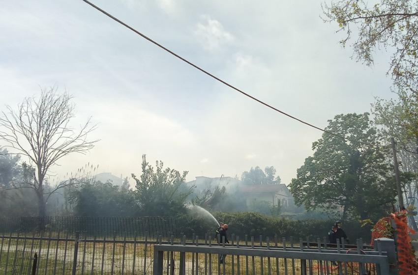 Incendio in via Tiburtina a Pescara
