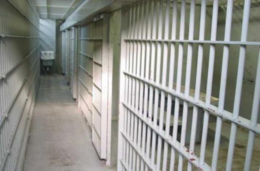 Condannato per violenza sessuale sulla nipote, arrestato dalla Polizia