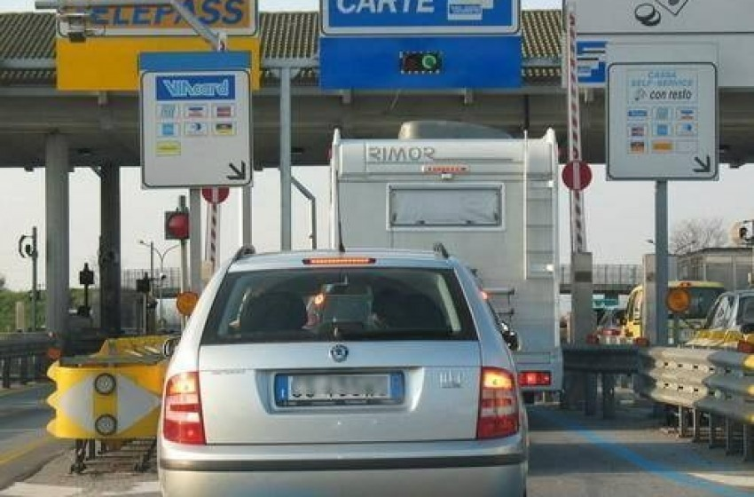 "Aumenti pedaggi autostradali A24/25. I sindaci ANCI: ""Intervenga il Governo"""