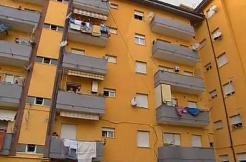 Blitz nel quartiere dei rom