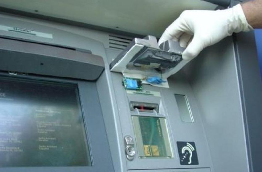 Pronti a clonare i bancomat