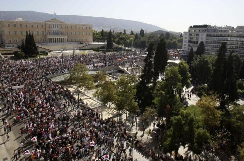 Scontri ad Atene: un morto