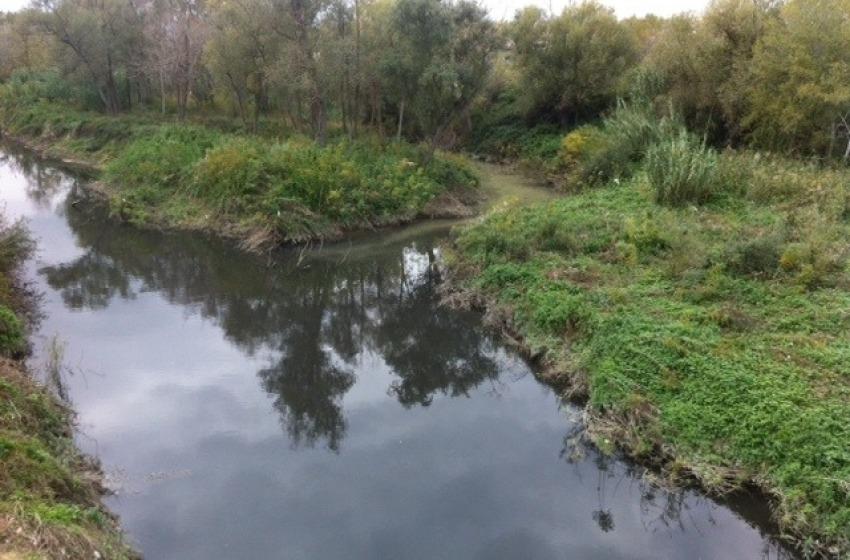 Saline. Il fiume nero