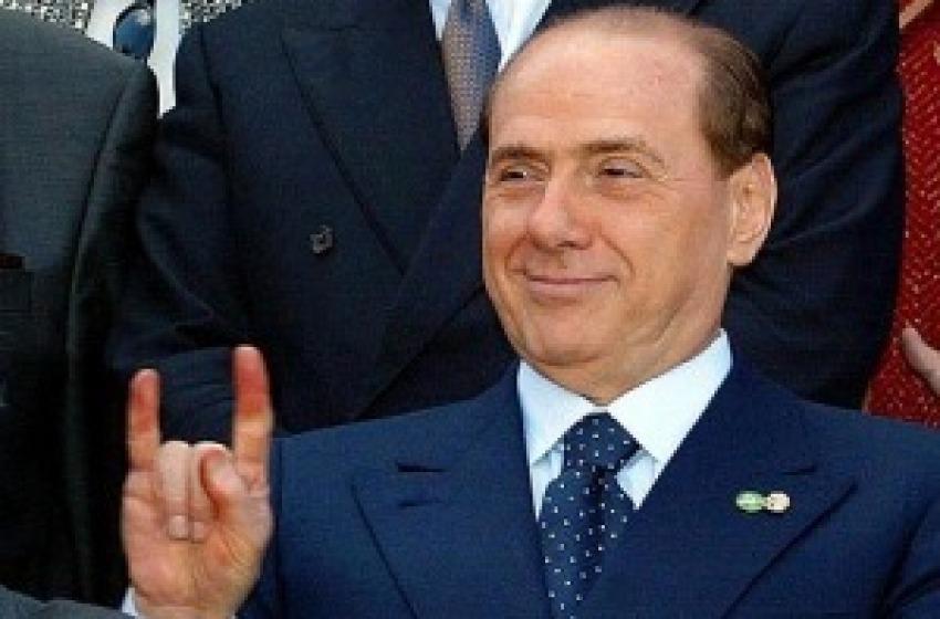 Berlusconi: «Sono il futuro»