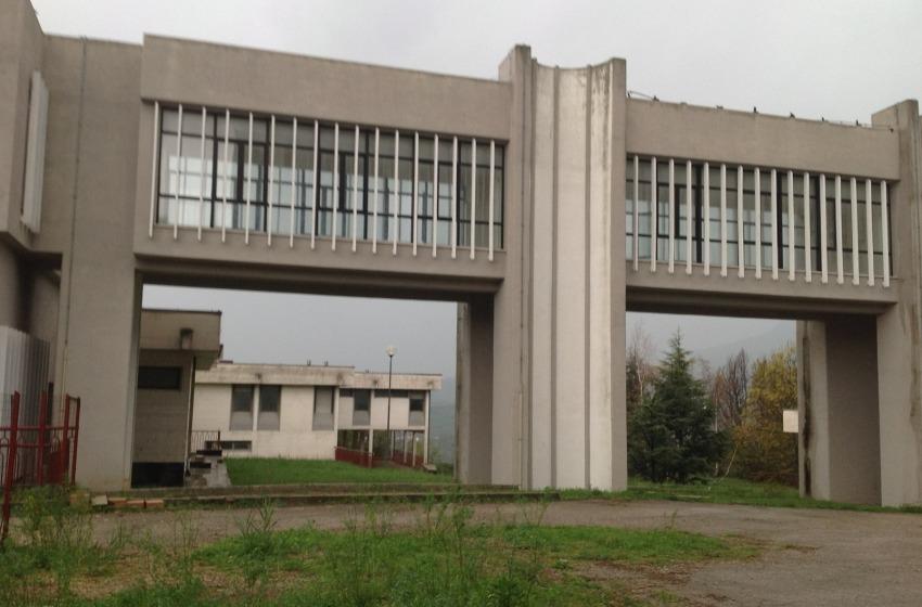 Dentro l'ospedale fantasma