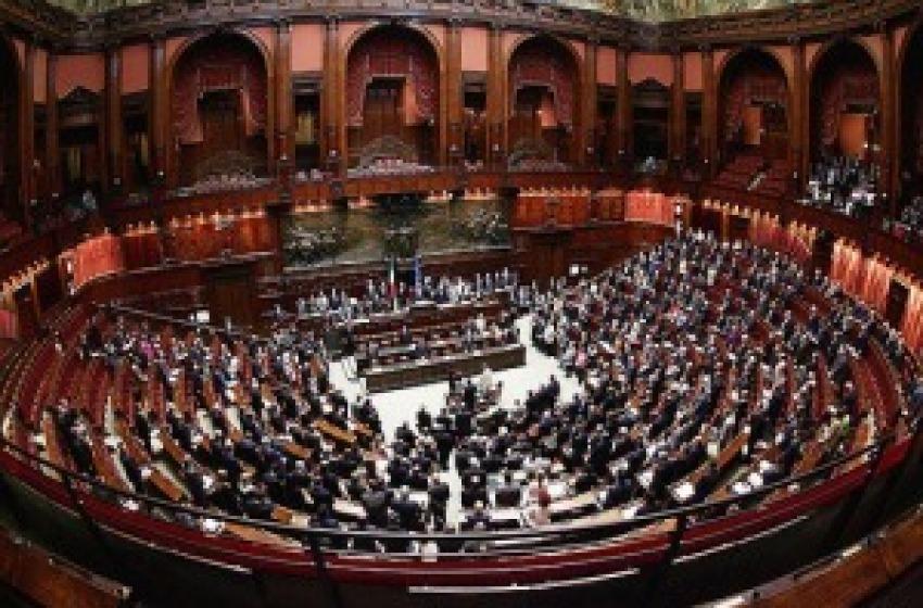 Parlamento al fotofinish