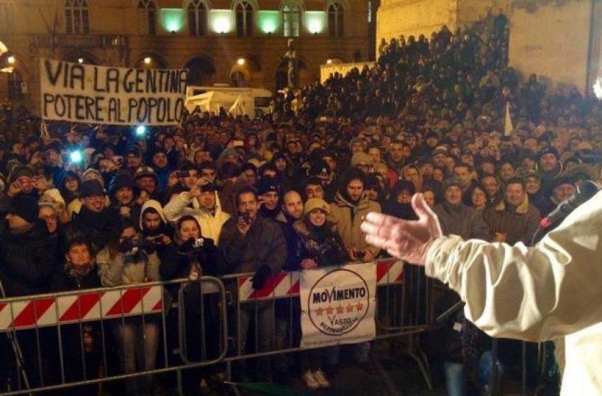 """Grillo """"sfonda"""" l'Abruzzo"""