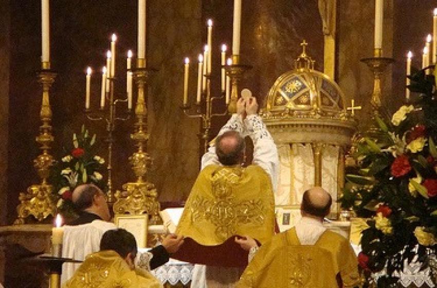 Colpo durante la messa