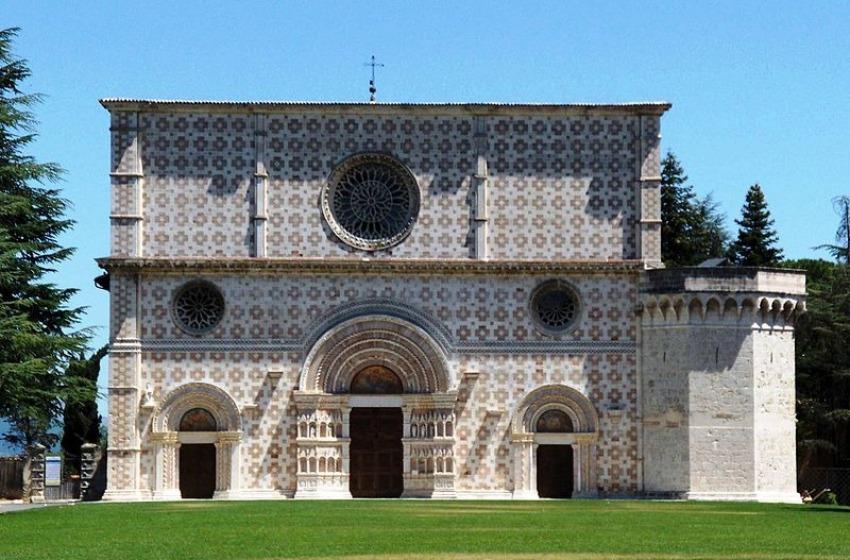 Basilica di Collemaggio vietata ai fedeli fino al 2016