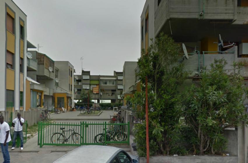 Degrado in via Ariosto. Droga, illegalità e contraffazione
