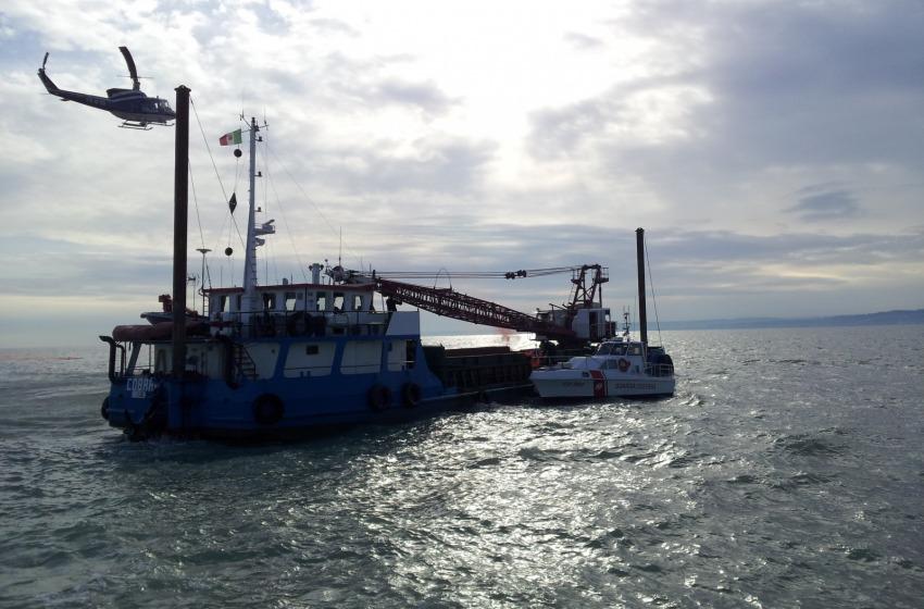 Simulazione disastro al largo di Pescara. Evacuata nave