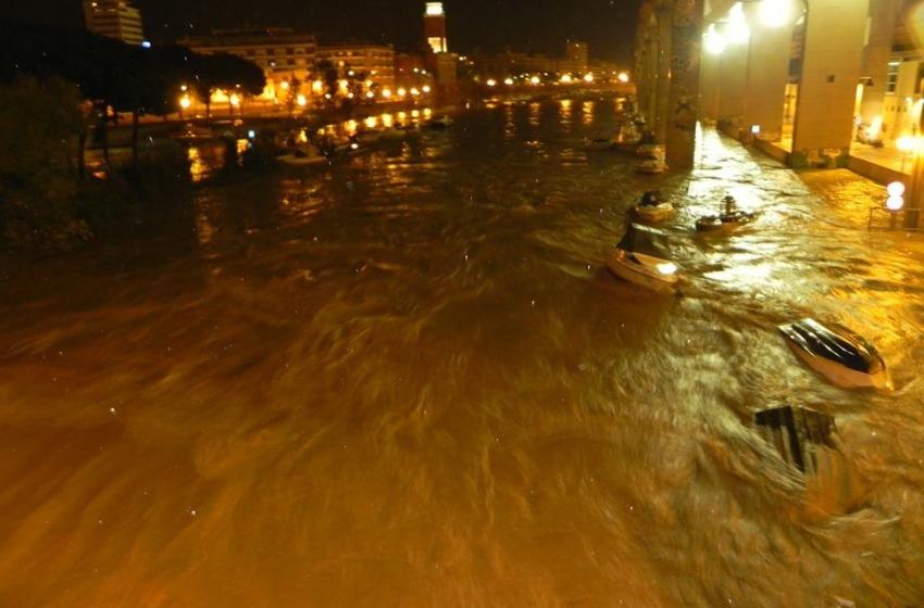 Disastro Pescara: esonda il fiume. Famiglie evacuate