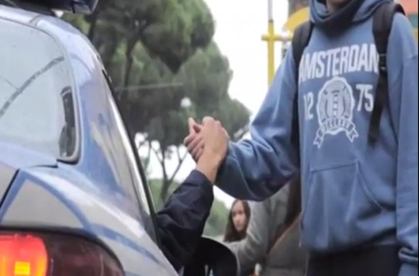 Gli auguri (filmati) col personale della Polizia