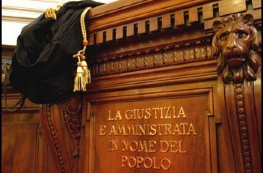 Protesta a Sulmona contro la chiusura del tribunale