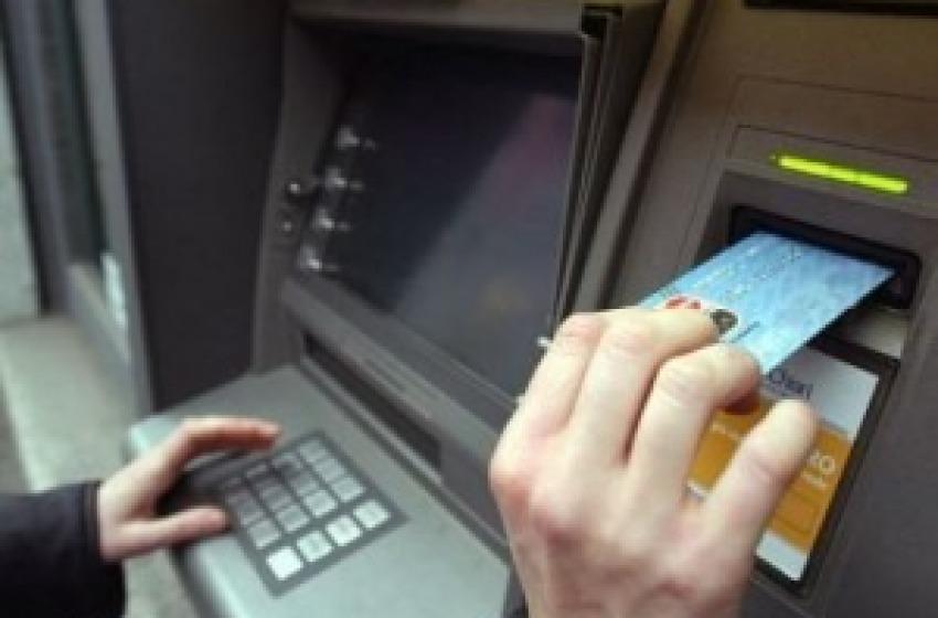 Colpo nella notte: svuotato bancomat di Banca Toscana