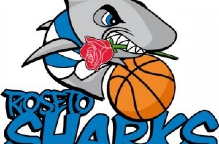 Basket. Sharks Roseto asfalta Cus Bari 118 a 62