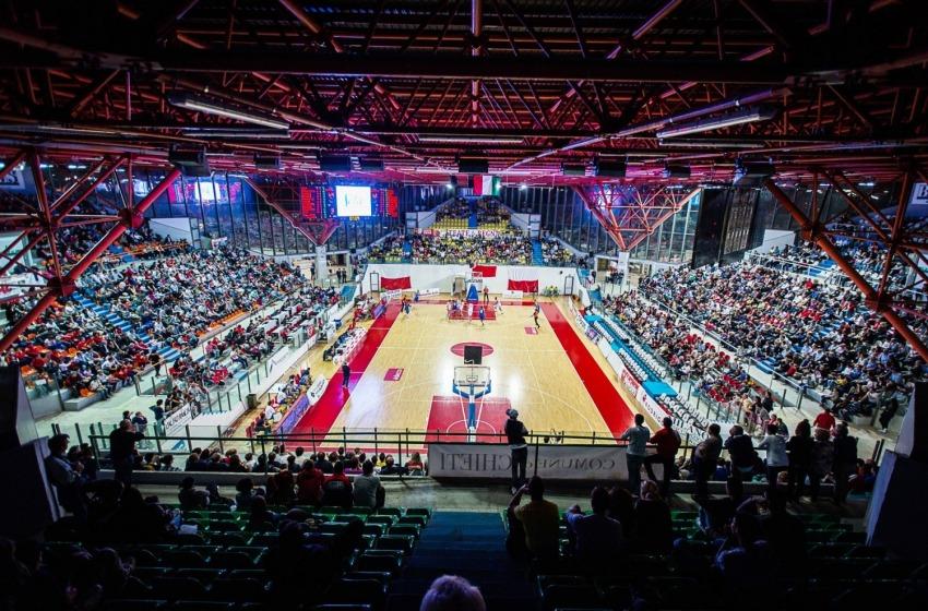 Derby d'Abruzzo da sold out. Oltre 2500 tifosi al PalaTricalle