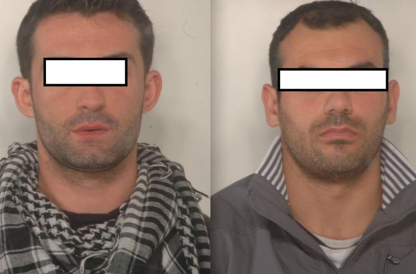 Oltre due chili di eroina in autostrada. Arrestati corriere albanesi