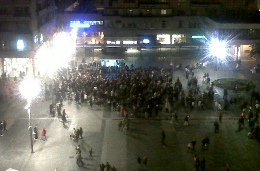 Il MoVimento 5 Stelle raduna i simpatizzanti al #nocifermatetour