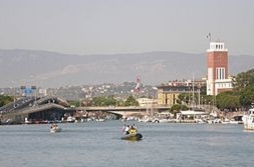 Porto di Pescara parzialmente chiuso per lavori di dragaggio