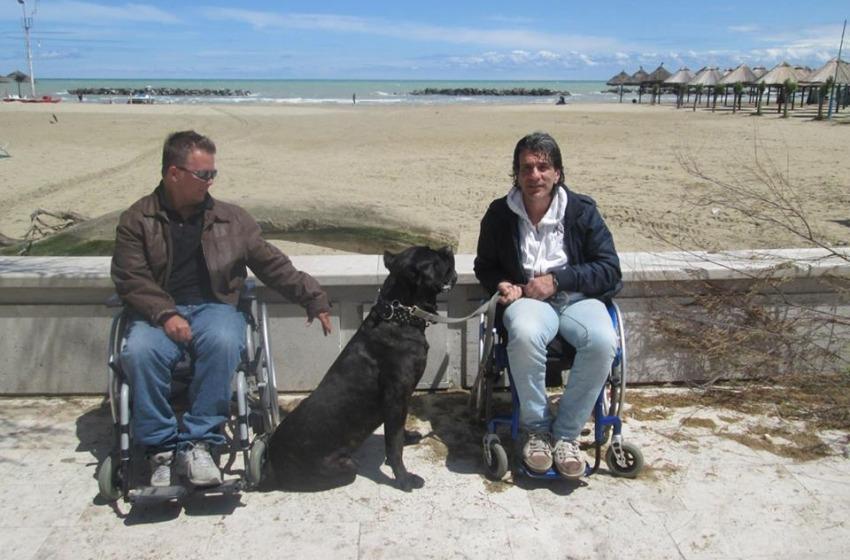 Spiagge off limits per disabili: la denuncia di Carrozzine Determinate