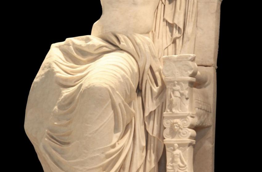 """Al Vittoriano """"Sulle tracce di Caligola"""", la mostra col trono trafugato"""