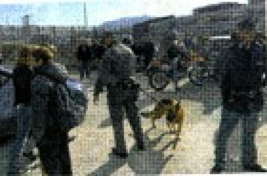 Scuola agli sgoccioli: ultimi controlli della Polizia davanti agli Istituti