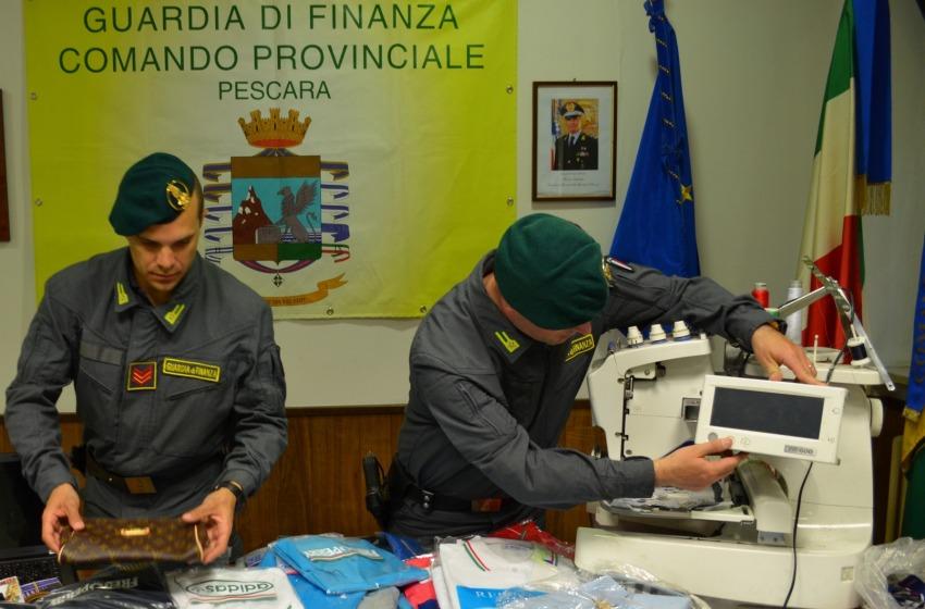 Scoperta a Montesilvano la fabbrica del falso: migliaia i capi sequestrati