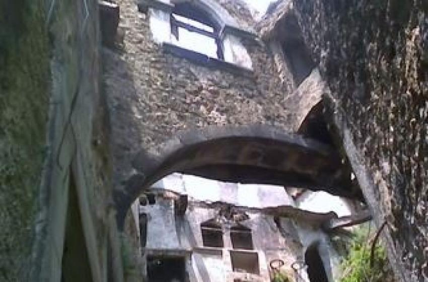 Crolli nel centro storico di Navelli. Cantalini: «Come a Pompei»