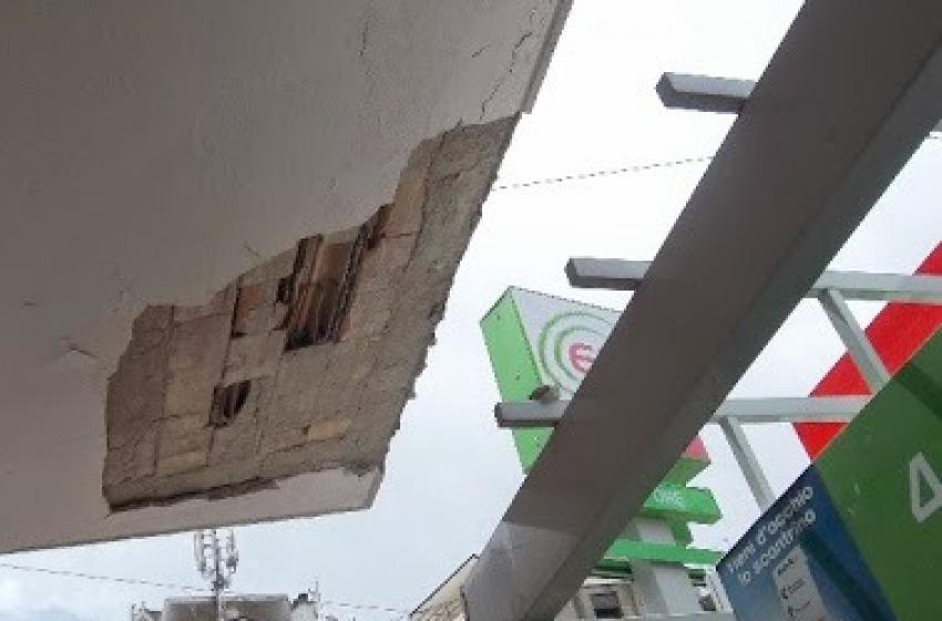 Ore tredici: paura in centro a Chieti per il crollo di un intonaco