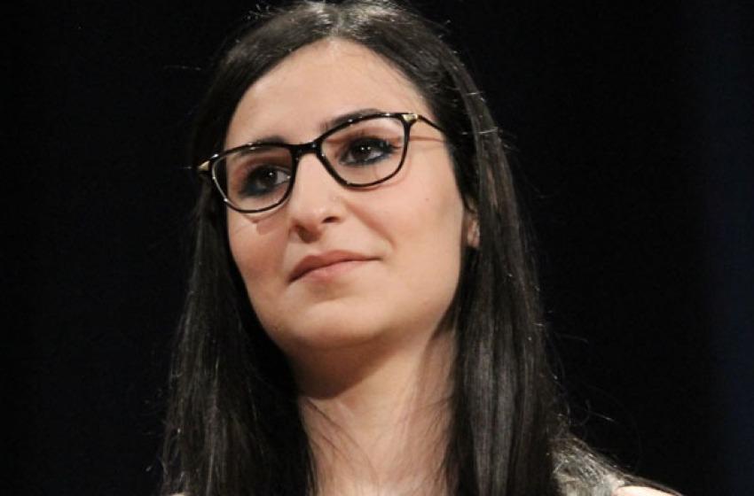 Una giovanissima teodoressa in Comune. Pescara che ne pensi?