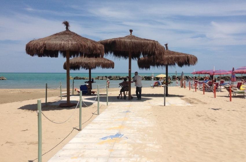 Riaperte a Montesilvano le spiagge per diversamente abili