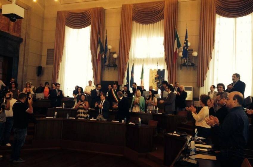 A Pescara giura il sindaco Alessandrini. In aula D'Alfonso e M5S