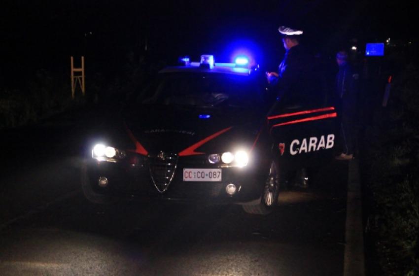 Spari contro due auto a Castel Frentano