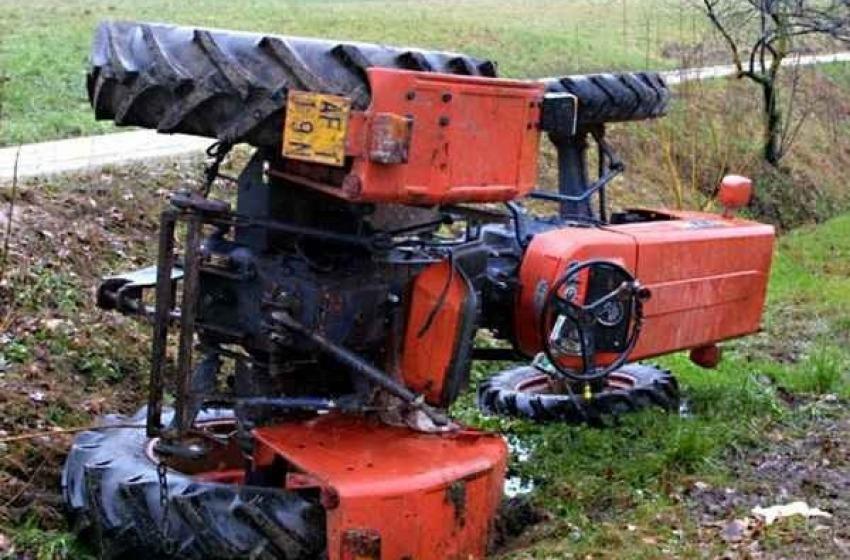Si ribalta con il trattore, morto un uomo a Pizzoli