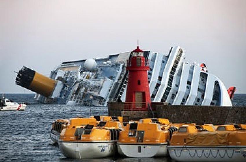 Le immagini del disastro della Costa Concordia